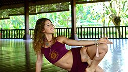 40 Hour Transformational Yoga Training and CEU Video Course Udemy Coupon & Review